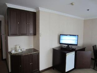 Herald Suites Solana Hotel Manila - Junior Suite
