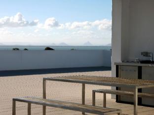 Scarborough Beach Resort Brisbane - Rooftop entertaining