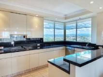 Contessa Holiday Apartments: kitchen