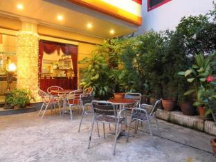 Silom Avenue Inn Hotel Bangkok - Hotel area