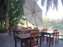 Riverside Guesthouse: balcony/terrace