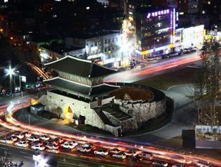Eastgate Tower Hotel Seoul - Night View