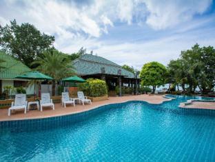 /andaman-beach-resort/hotel/koh-phi-phi-th.html?asq=zUs2g%2fJDvUy%2fgxmhM55Kv8KJQ38fcGfCGq8dlVHM674%3d