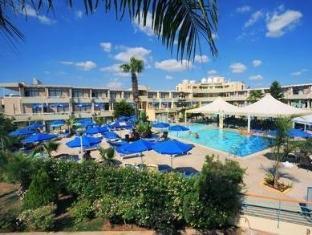 /limanaki-beach-hotel/hotel/ayia-napa-cy.html?asq=5VS4rPxIcpCoBEKGzfKvtBRhyPmehrph%2bgkt1T159fjNrXDlbKdjXCz25qsfVmYT