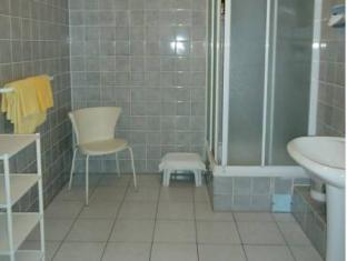 Hotel Kubrat Berlin - Bathroom