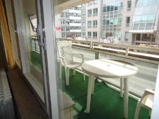 Hotel Kubrat Berlin - Balcony/Terrace