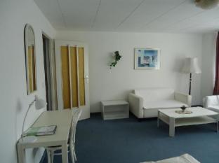Hotel Kubrat Berlin - Guest Room