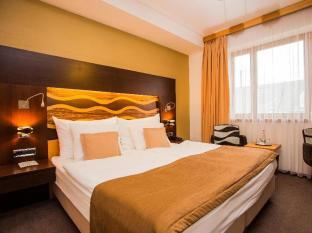 /ru-ru/danubia-gate-hotel/hotel/bratislava-sk.html?asq=5VS4rPxIcpCoBEKGzfKvtE3U12NCtIguGg1udxEzJ7nKoSXSzqDre7DZrlmrznfMA1S2ZMphj6F1PaYRbYph8ZwRwxc6mmrXcYNM8lsQlbU%3d