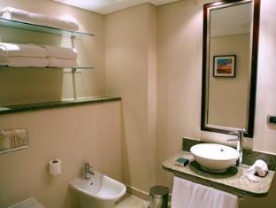 Staybridge Suites Citystars Hotel Cairo - Suite Bathroom