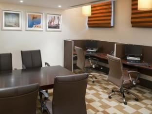Staybridge Suites Citystars Hotel Cairo - Business Center