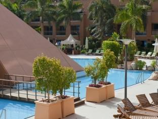 Staybridge Suites Citystars Hotel Cairo - Swimming Pool