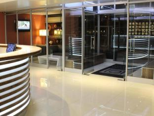 Circa Luxury Apartment Hotel Cape Town - Reception Lounge
