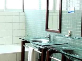 Circa Luxury Apartment Hotel Cape Town - Bathroom