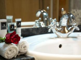 Al Khoory Hotel Apartments Al Barsha Dubai - Bathroom