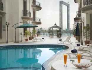 Al Waleed Palace Hotel Apartments Bur Dubai Dubai - Zwembad