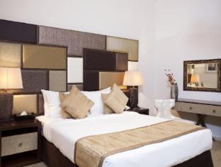 Al Waleed Palace Hotel Apartments Bur Dubai Dubai - Suite