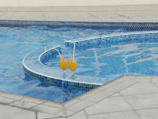 Arabian Suites Dubai - Swimming Pool