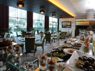 Bonnington Jumeirah Lakes Towers Hotel Dubai - Eten en drinken