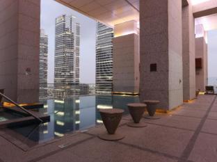 Bonnington Jumeirah Lakes Towers Hotel Dubai - Zwembad