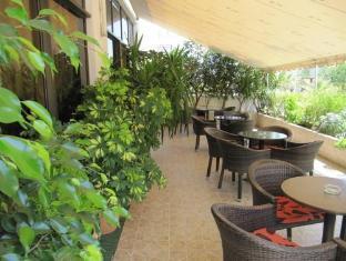 /fr-fr/athinaiko-hotel/hotel/crete-island-gr.html?asq=vrkGgIUsL%2bbahMd1T3QaFc8vtOD6pz9C2Mlrix6aGww%3d