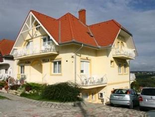 /es-es/flora-villa/hotel/heviz-hu.html?asq=vrkGgIUsL%2bbahMd1T3QaFc8vtOD6pz9C2Mlrix6aGww%3d