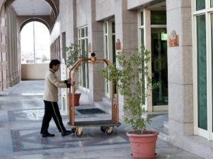 Madinah Marriott Hotel Medina - Entrance