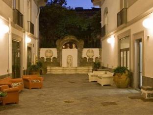 /hotel-piazza-bellini/hotel/naples-it.html?asq=GzqUV4wLlkPaKVYTY1gfioBsBV8HF1ua40ZAYPUqHSahVDg1xN4Pdq5am4v%2fkwxg