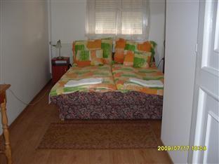 Hotel Retro Pecs - Suite Bedroom