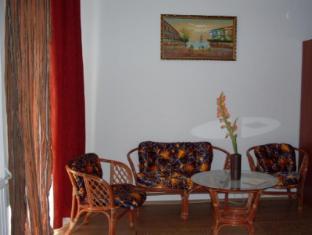 Hotel Retro Pecs - Suite living room