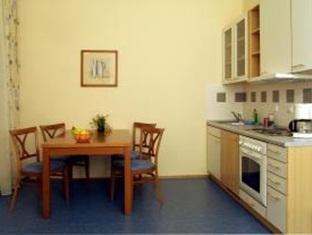 Hotel Orion Prague - Kitchen