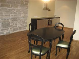 Pikk 49 Residence Tallinn - Suite - kitchen and dining area