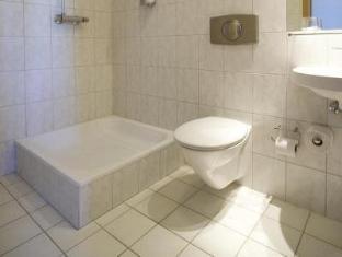 /hotel-valaskjalf/hotel/egilsstadir-is.html?asq=vrkGgIUsL%2bbahMd1T3QaFc8vtOD6pz9C2Mlrix6aGww%3d