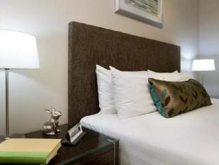 Clifton Suites on Northbourne Canberra - Guest Room