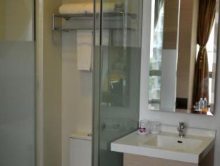 Aqueen Hotel Balestier Singapur - Baño