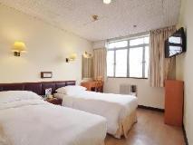 Caritas Lodge: guest room