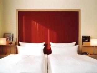 /pl-pl/sorat-hotel-ambassador/hotel/berlin-de.html?asq=F5kNeq%2fBWuRpQ45YQuQMg0P2gg7yxxjCdVbNPXnPDk6MZcEcW9GDlnnUSZ%2f9tcbj