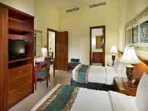 City Seasons Suites: guest room