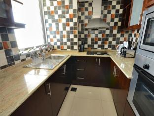 Grand Midwest Tower Hotel Apartments Dubai - Kitchen