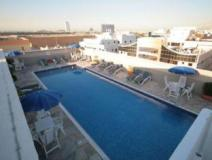 Rose Garden Hotel Apartments Al Barsha: swimming pool