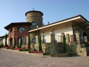 /tota-virginia-antico-podere/hotel/serralunga-d-alba-it.html?asq=jGXBHFvRg5Z51Emf%2fbXG4w%3d%3d