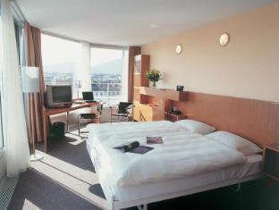 Hotel Cornavin Geneva - Guest Room