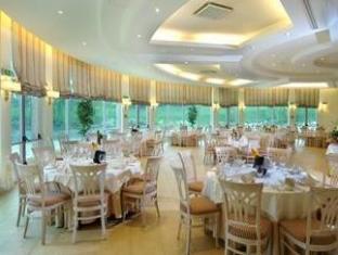 /gardaland-hotel-resort/hotel/castelnuovo-del-garda-it.html?asq=jGXBHFvRg5Z51Emf%2fbXG4w%3d%3d
