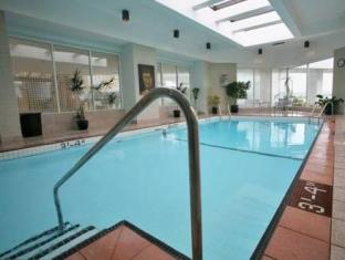 Inn at Laurel Point Victoria (BC) - Swimming Pool