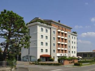 /poli-hotel/hotel/san-vittore-olona-it.html?asq=jGXBHFvRg5Z51Emf%2fbXG4w%3d%3d