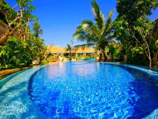 Aochalong Villa & Spa Phuket - Pool