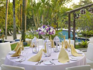 Thistle Johor Bahru Hotel Johor Bahru - Poolside Wedding