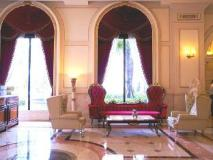 Capital Hotel: lobby