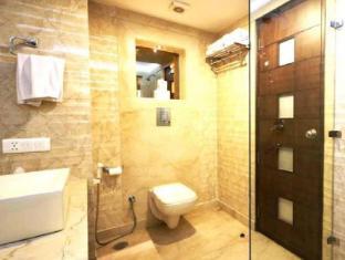 Hotel Le Roi New Delhi - Badkamer