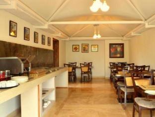 Hotel Le Roi New Delhi - Restaurant