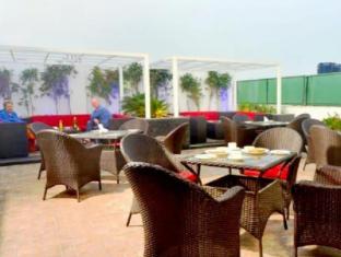 Hotel Le Roi New Delhi - Balkon/Terras